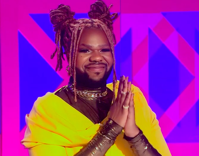 MNEK was way too adorable this season. Wearing more gold than Trinidad James on a Sunday and I want every single piece.